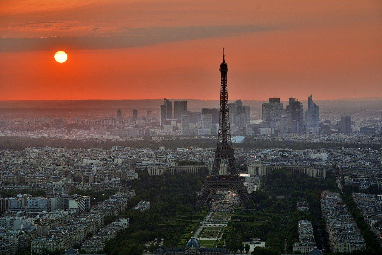 Paris Steckbrief