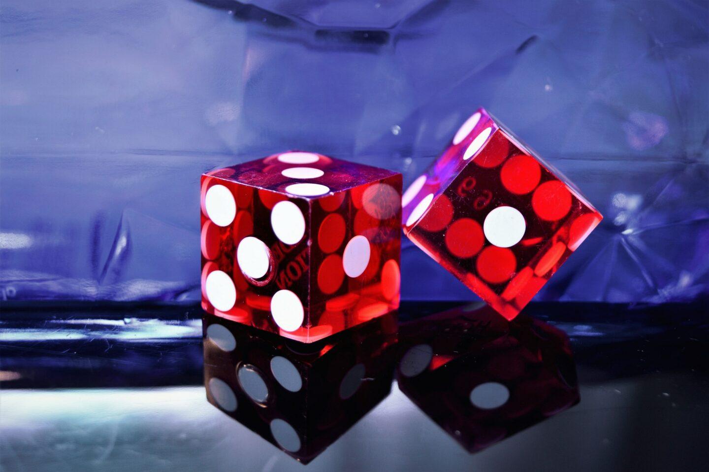 Acquire Spiel – Zubehör, Spielanleitung, Geschichte