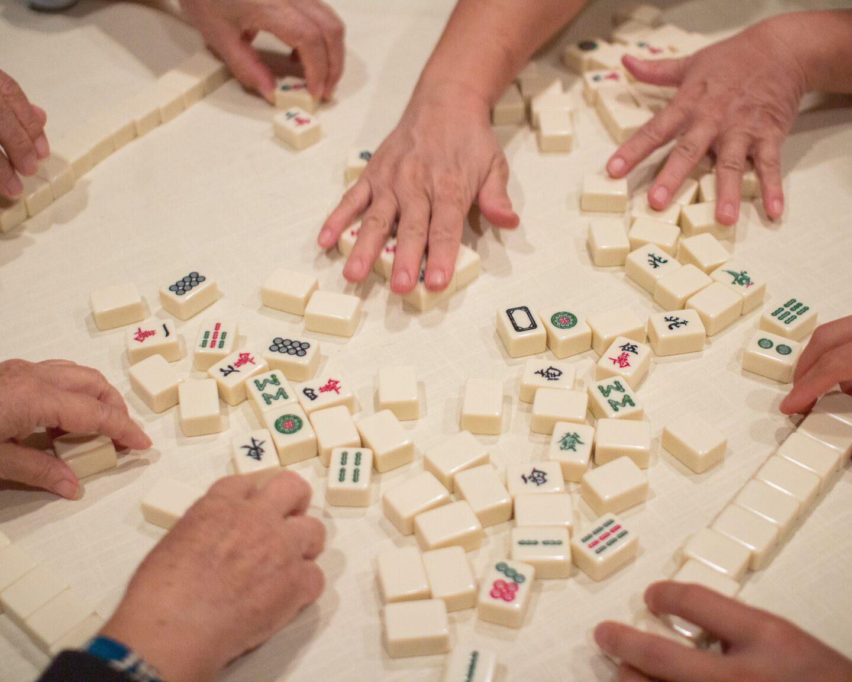 Mahjong Spiel – Spielanleitung, Spielzubehör, Spielsteine