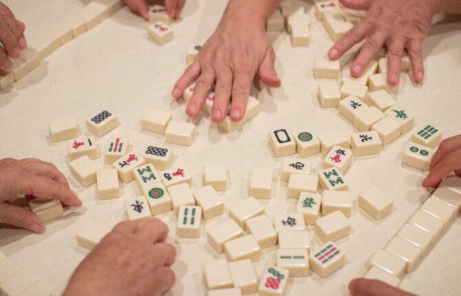 Mahjong Spiel - Spielanleitung, Spielzubehör, Spielsteine