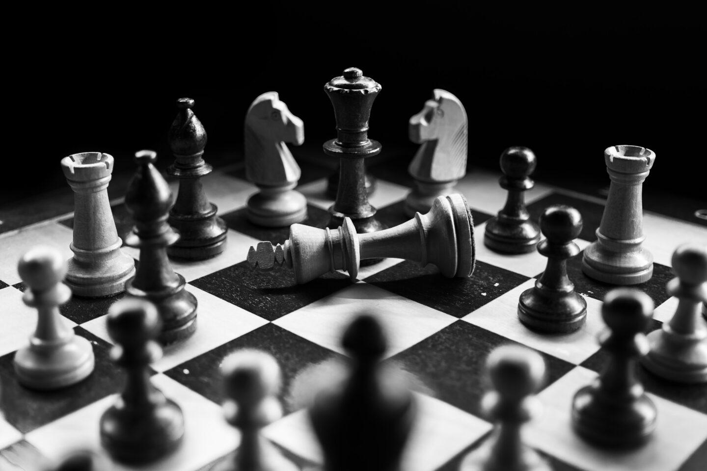 Schach Spiel – Regeln, Aufbau, Eröffnung