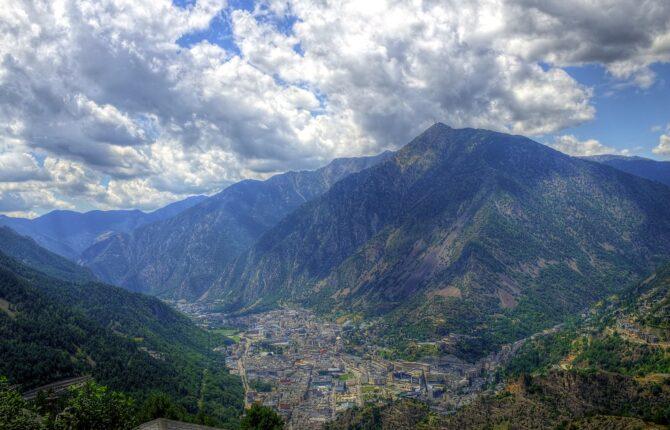 Andorra la Vella Steckbrief - Geschichte, Klima