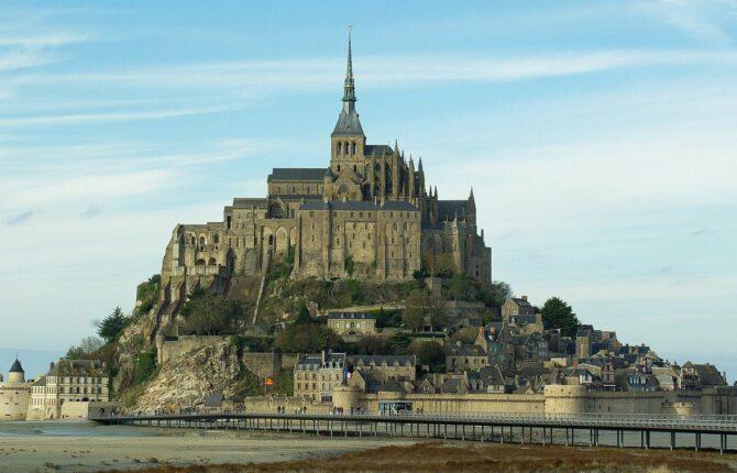 Mont-Saint-Michel Abtei -  Geschichte