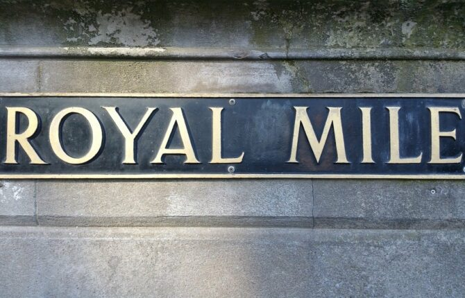 Royal Mile in Edinburgh - Rasenmarkt, High Street