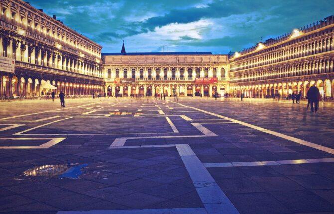 Piazza San Marco / Markusplatz Steckbrief - Beschreibung