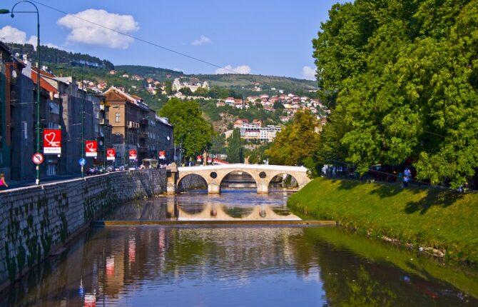 Sarajevo Steckbrief - Geographie